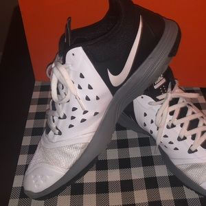 Men's Black/White/Gray Nike Athletic Shoes